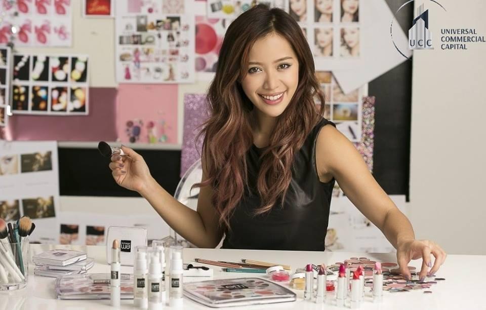 "phù thủy make – up"" Michelle Phan."